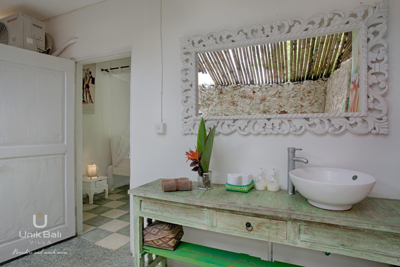 Unik Bali Villa A Vendre Purnama Room 01 Bathroom View 01
