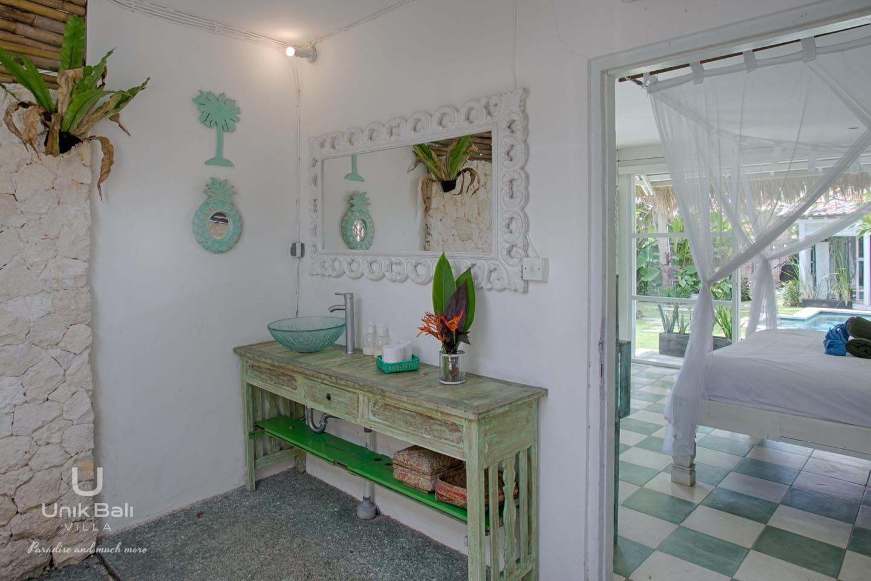 Unik Bali Villa A Vendre Purnama Room 02 Bathroom View 01