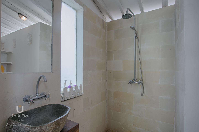 Unik Bali Villa A Vendre Purnama Room 03 Bathroom View 01