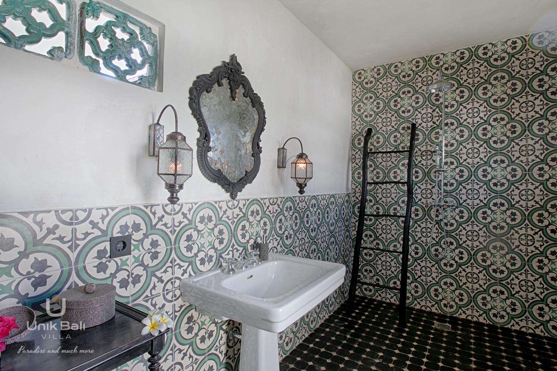 unik-bali-villa-cashew-a-louer-salle-de-bain-1