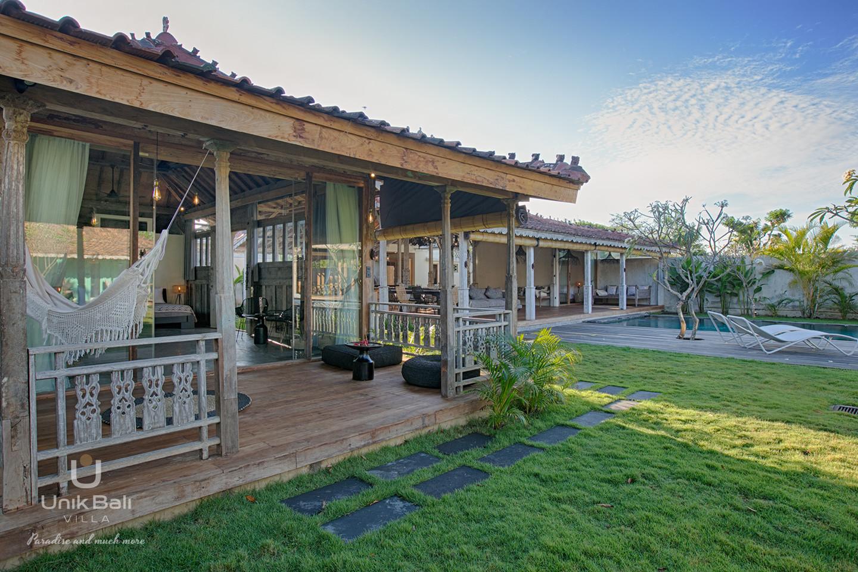 unik-bali-villa-cashew-a-louer-limassan-santos-terrasse-chambre-2