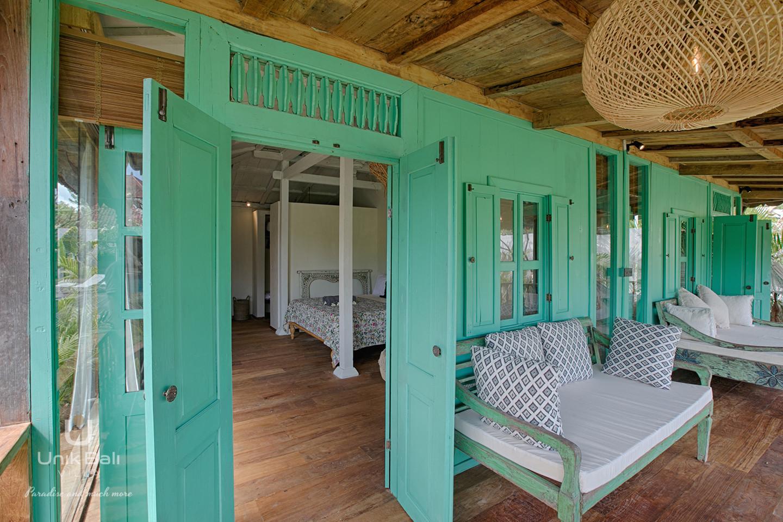 unik-bali-villa-cashew-a-louer-lolita-terrasse-chambre-3