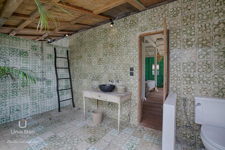 unik-bali-villa-cashew-a-louer-salle-de-bain-3