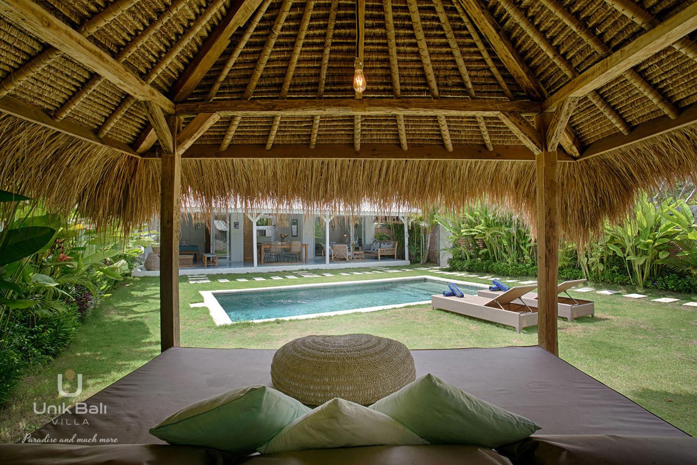 unik-bali-villa-for-rent-grey-gazebo-relaxation-area