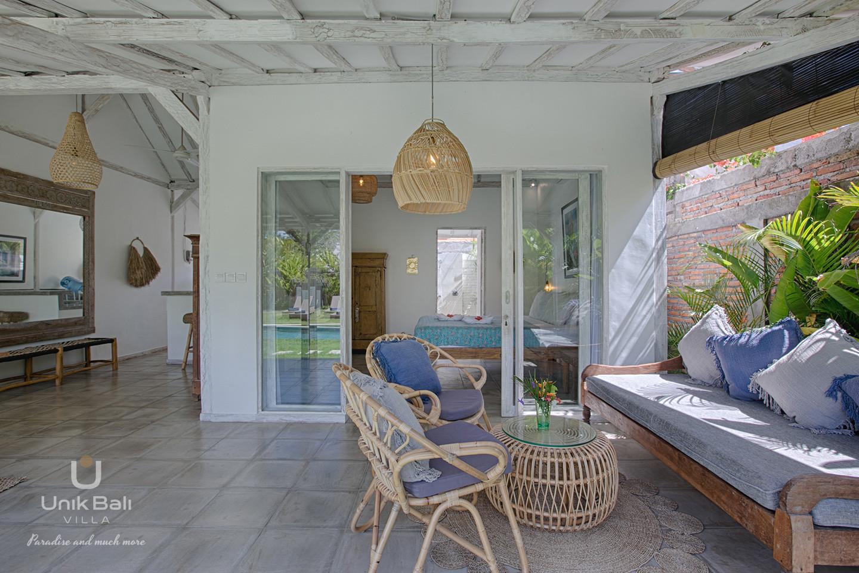 unik-bali-villa-a-louer-grey-damai-terrasse-chambre-1