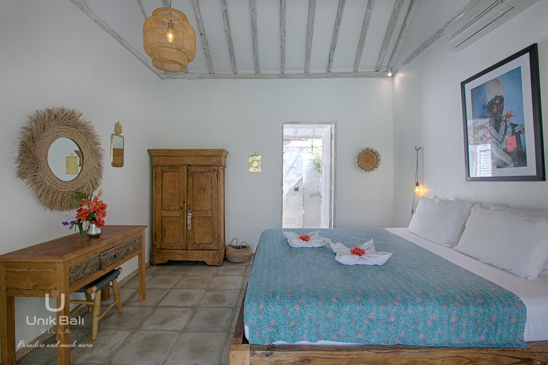 unik-bali-villa-for-rent-grey-damai-bedroom-1