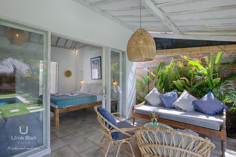 unik-bali-villa-for-rent-grey-damai-terrace-bedroom-1