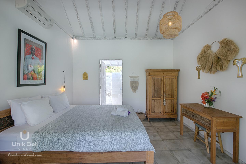 unik-bali-villa-for-rent-grey-damai-bedroom-2