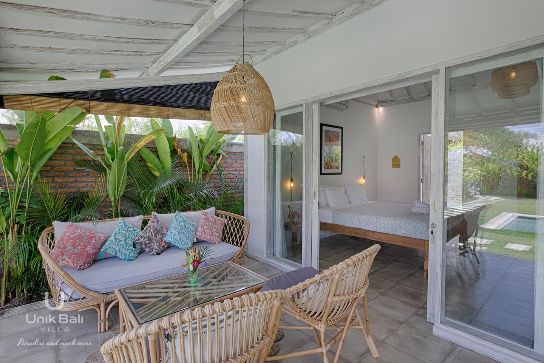 unik-bali-villa-for-rent-grey-damai-terrace-bedroom-2