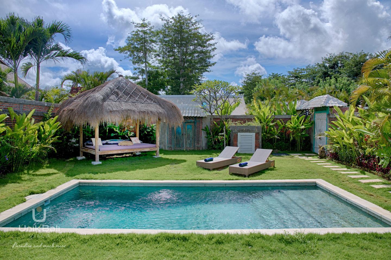 unik-bali-villa-for-rent-grey-damai-relaxation-area-pool