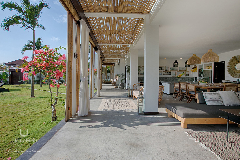 unik-bali-villa-for-rent-samudra-view-terrace