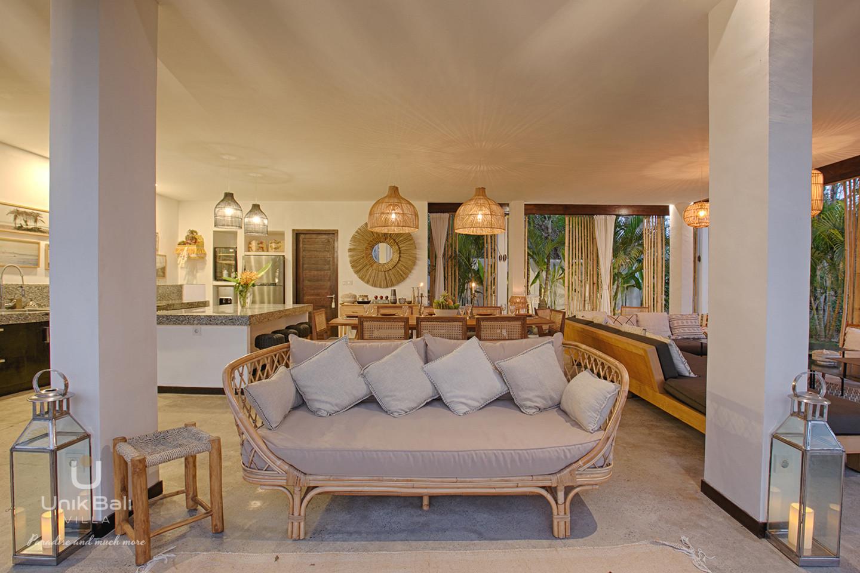 unik-bali-villa-for-rent-samudra-living room-terrace