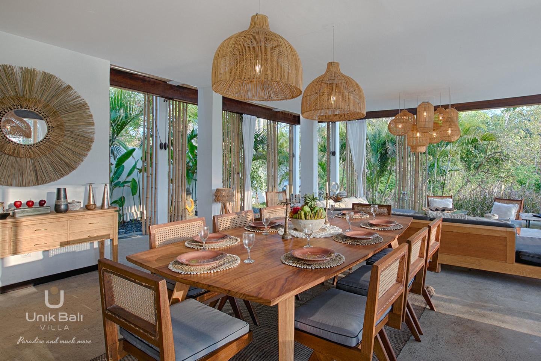 unik-bali-villa-a-louer-samudra-table-espace-repas