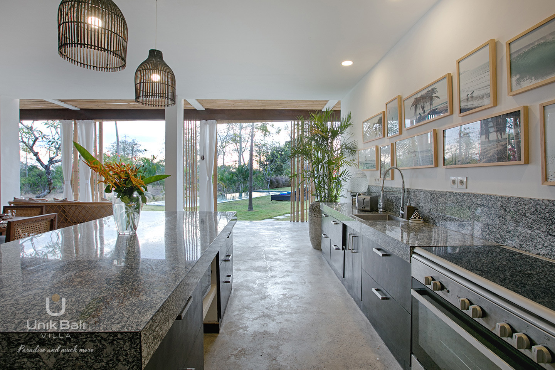 unik-bali-villa-for-rent-samudra-kitchen-area