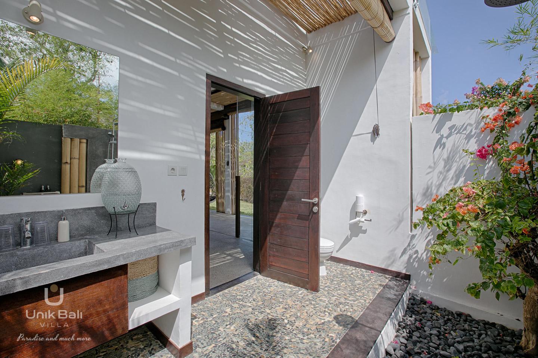 unik-bali-villa-a-louer-samudra-salle-de-bain-chambre-3