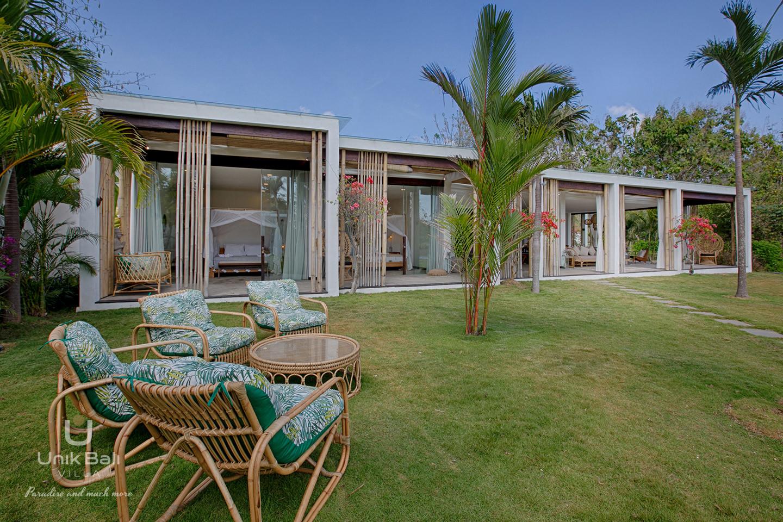 unik-bali-villa-for-rent-samudra-garden-lounge