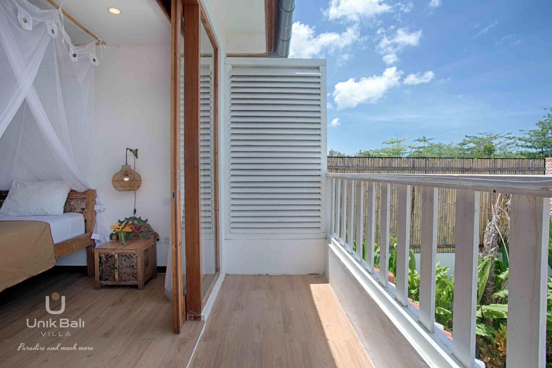 unik-bali-villa-a-louer-shiva-bali-balcon-chambre-1
