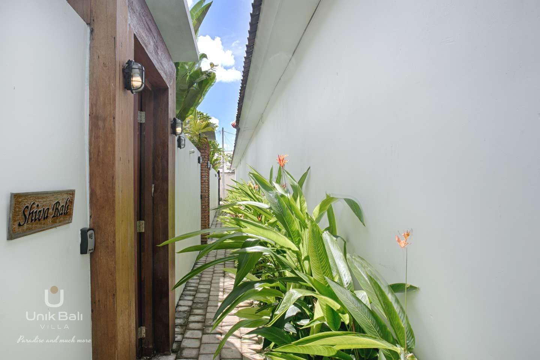 unik-bali-for-rent-shiva-bali-private-entrance