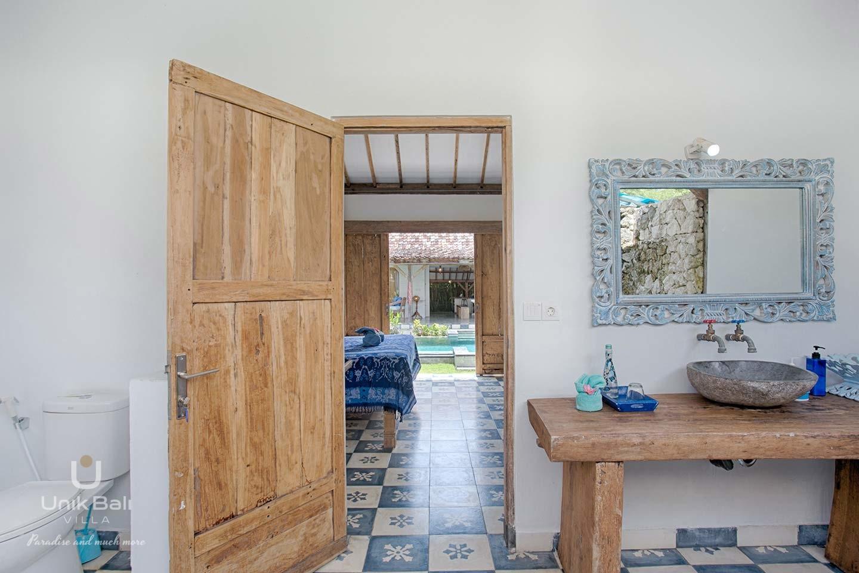 unik-bali-villa-for-rent-indigo-annex-private-bathroom