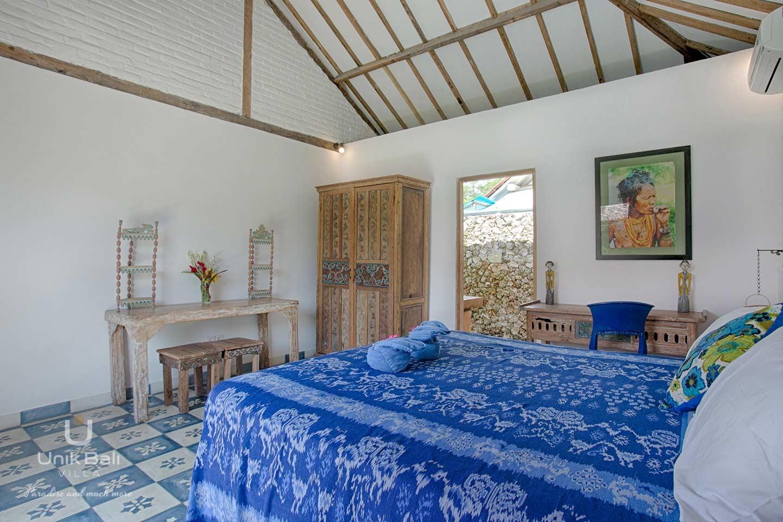 unik-bali-villa-for-rent-indigo-double-bedroom-in-annex