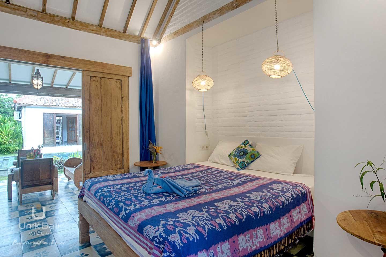 unik-bali-villa-for-rent-indigo-main-house-double-bedroom